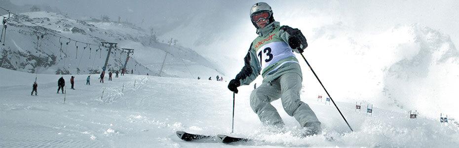 Startnummernleibchen Skisport im Einsatz