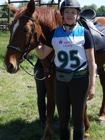 Startnummernleibchen im Pferdesport