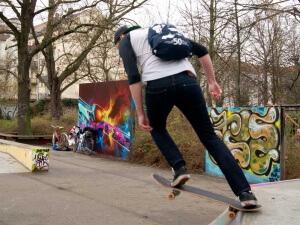 Turnbeutel in der Freizeit, z.B. beim Skaten